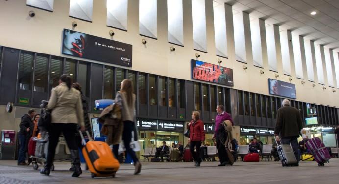 Campaña colocada en Estación de Sevilla Santa Justa