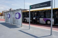 Autobús y parada en Estación Valencia Joaquín Sorolla, diseños propios.